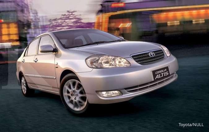 Pilihan harga mobil bekas Rp 50 jutaan, bawa pulang sedan Toyota Corolla Altis