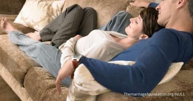 Manfaat cuddling dengan pasangan