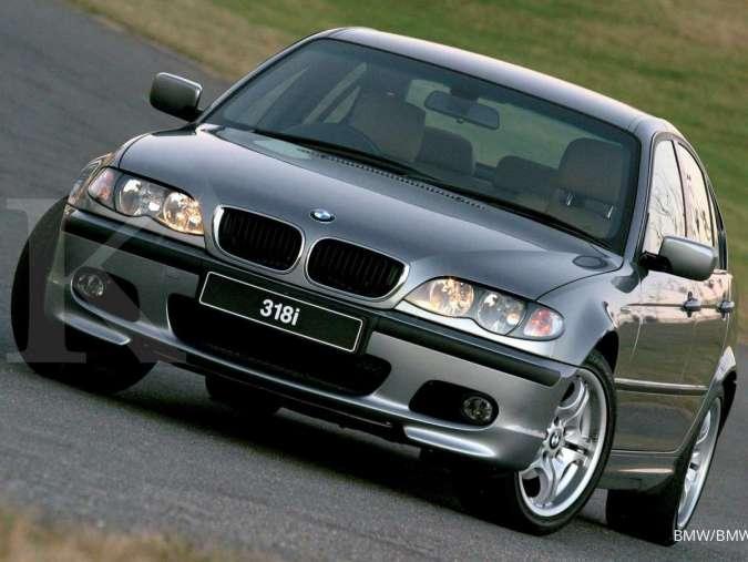 Harga mobil bekas BMW seri 3 semakin murah, tahun segini mulai Rp 60 juta.