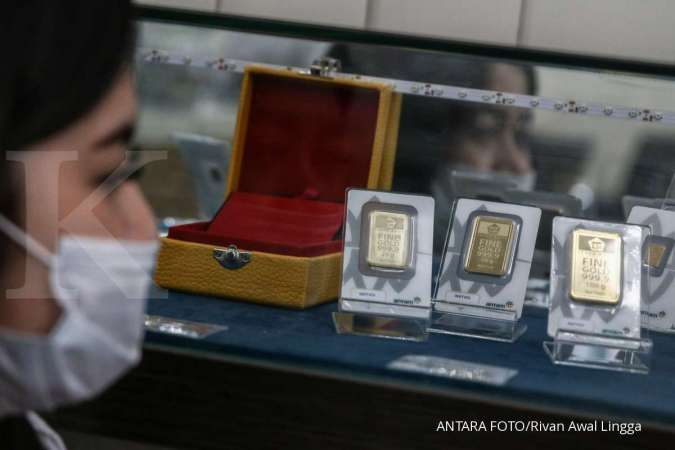 Harga emas hari ini (3/12 ) di Butik Emas Antam naik Rp 5.000 per gram