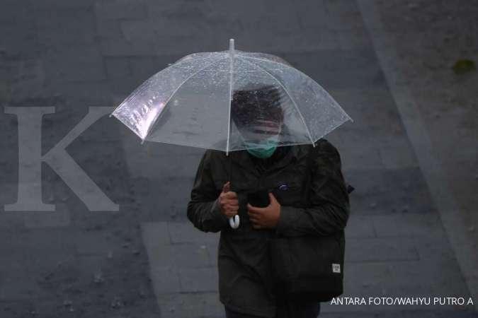 Cuaca besok di Jabodetabek hujan ringan, jaga-jaga bawa payung
