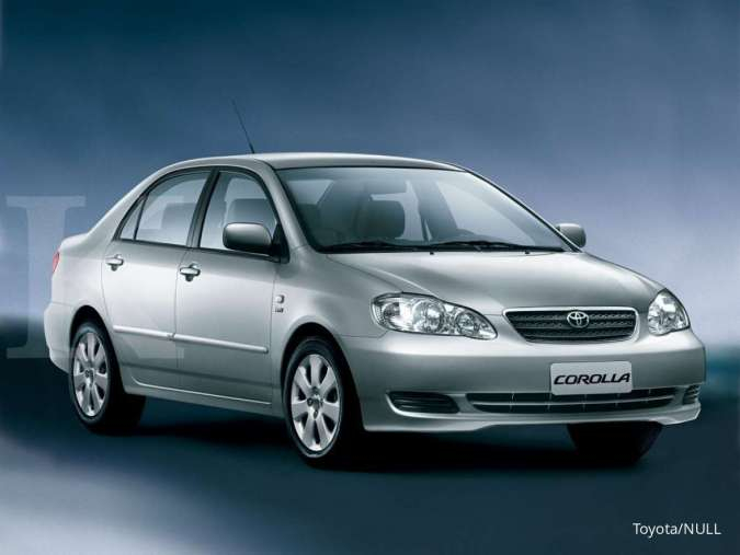 Kini mulai Rp 50 juta, harga mobil bekas Toyota Corolla Altis makin murah