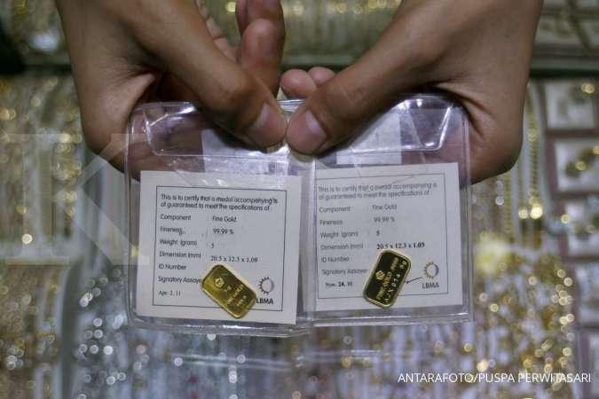 Naik Rp 5.000, harga emas Antam hari ini di level Rp 957.000 per gram, Selasa (12/1)