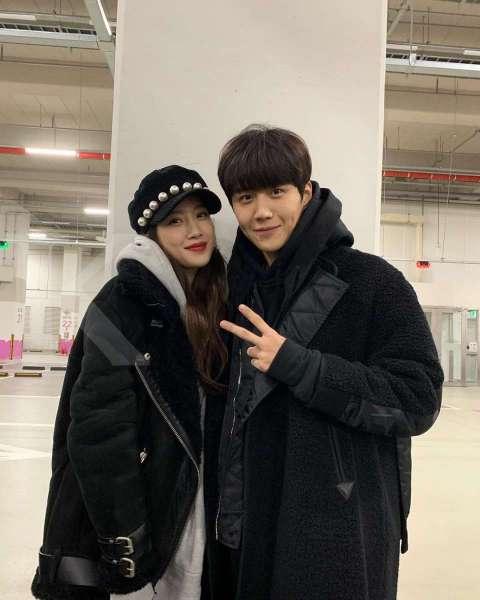 Kim Seon Ho dan Moon Ga Young dalam drama Korea Find Me in Your Memory.