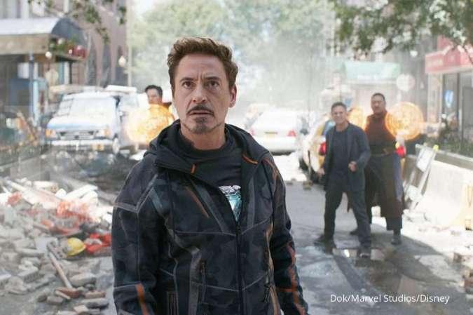 Tony Stark sebagai superhero Iron Man yang diperankan Robert Downey Jr. di film Avengers: Infinity War.
