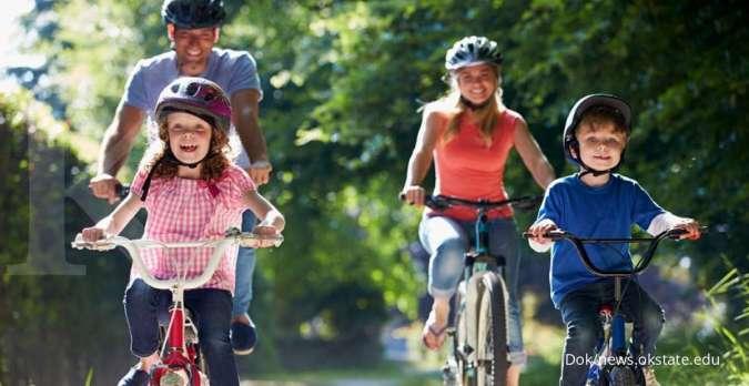 Jaga kesehatan di tengah Covid-19, pedoman WHO untuk aktivitas fisik orang dewasa.