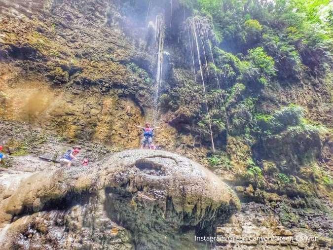 Green Canyon Pangandaran, keseruan menjelajah ngarai dan sungai