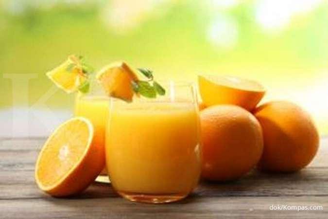 Salah satu makanan yang mengandung kolagen adalah jeruk.