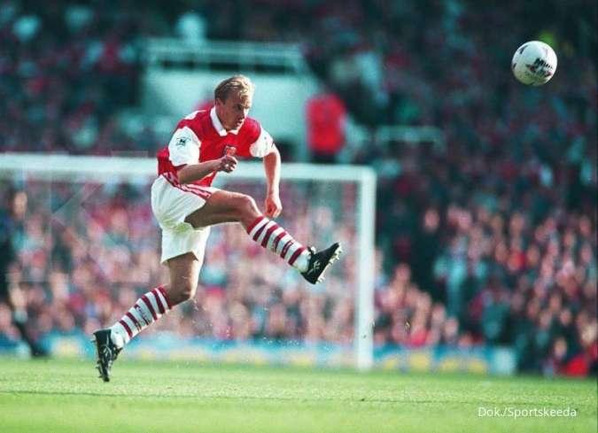 Dennis Bergkamp, salah satu raja assist di Liga Inggris