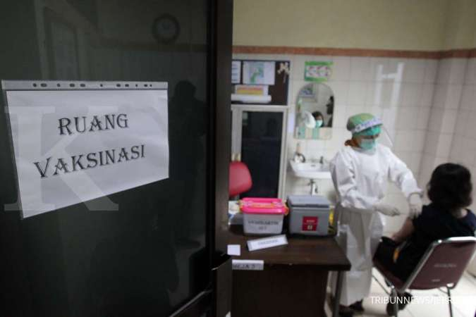 Suntik vaksin Covid-19 dimulai, tolak vaksinasi dihukum 1 tahun & denda Rp 100 juta