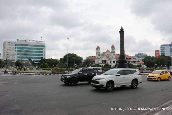 Cuaca besok di Jawa dan Bali: Bandung hujan ringan, Semarang cerah berawan