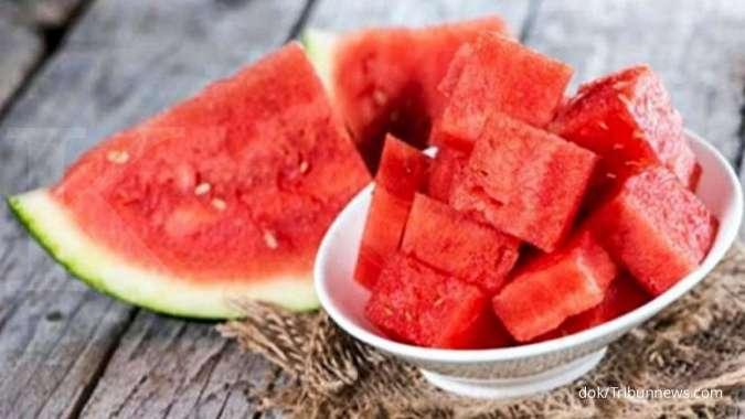 5 Jus buah segar yang efektif meredakan asam urat
