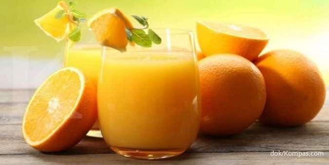 Jeruk adalah salah satu makanan yang mengandung vitamin B.
