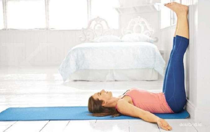 3 Manfaat mengangkat kaki ke tembok untuk kesehatan