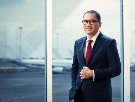 Memperluas bengkel pesawat skala global