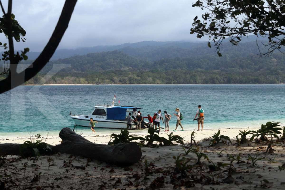 Pesona Pulau Peucang