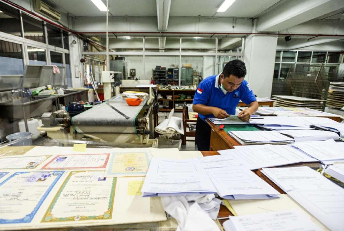 Layanan restorasi dokumen keluarga dari ANRI