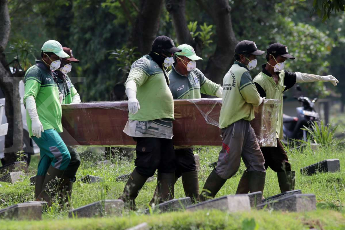 Pemakaman jenazah pasien corona