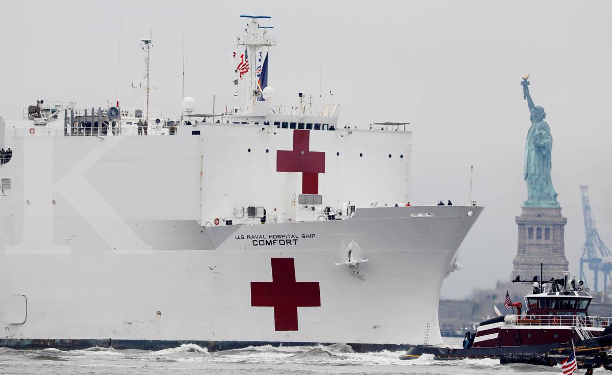 Kapal RS raksasa tiba di New York lawan pandemi corona