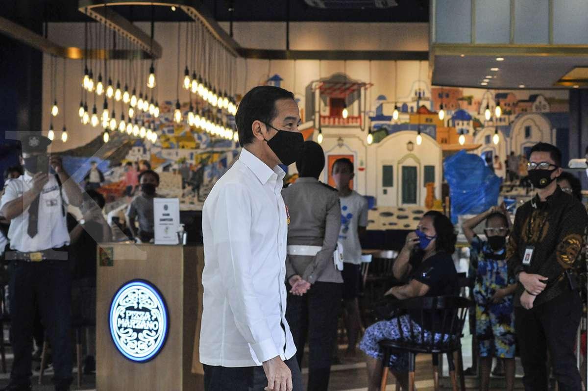 Presiden Jokowi tinjau kesiapan new normal di Summarecon Mall Bekasi